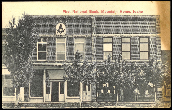 Image of the First National Bank of Mountainhome